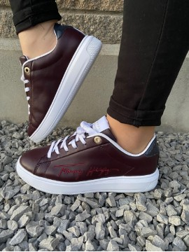TOMMY HILFIGER WINE LEATHER TRAINER